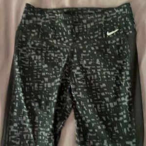 Women's Nike legendary tight fit size small